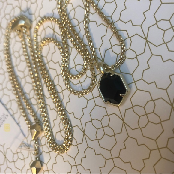 Kendra Scott Jewelry - Black and gold Teo Necklace